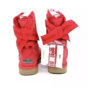 UGG CUSTOMIZABLE BAILEY BOW SHORT RIBBON RED SUEDE